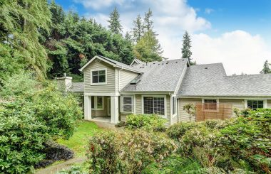 Gorgeously Remodeled 3-Bedroom Townhome in Kenmore, WA