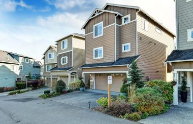 Light-Filled, Private & Spacious in Bothell